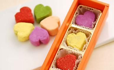 簡単!ハートのカラフル生チョコレート~体に優しい食材を使った愛情たっぷりチョコ【恋占ニュース】