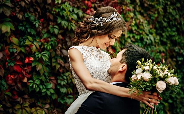 結婚するならフィーリング重視?山崎夕貴さんの結婚観に見る幸せな結婚とは…【恋占ニュース】