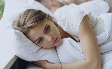 マンネリじゃないのに恋愛がダルい…それ「恋愛5月病」かも?原因と対策