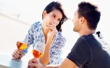 オトナの男性が惹かれる女性像って?会話、お酒の飲み方、恋愛へのスタンス…