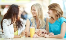 結婚した女友達との上手な付き合い方!既婚者・未婚者それぞれの本音は?