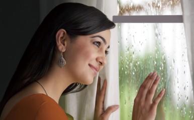 ネットサーフィン、お絵描きで恋愛運UP!? 「雨の日限定」誕生日占い【恋占ニュース】