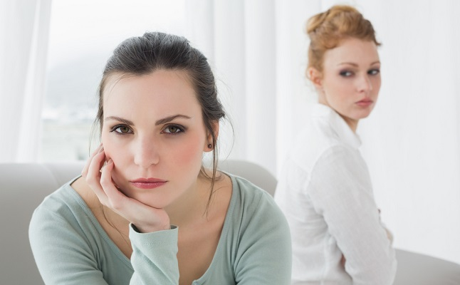 「結婚報告」の優先順位は?順番を間違えると人間関係に亀裂が…!