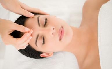 気になる「美容鍼」体験レポート!首のコリをゆるめて肌のくすみも解消!?