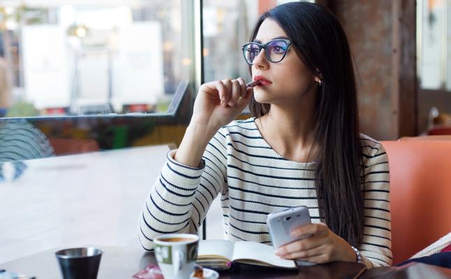 「LINEでの告白」成功の秘訣は?女性の経験談に学ぶポイントと注意点