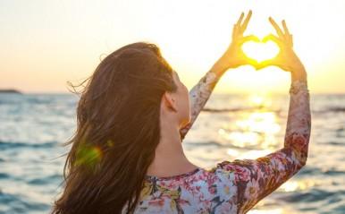 恋に年齢制限はなし!恋のカタチは様々…大人心に眠る「恋の種」を慈しんで