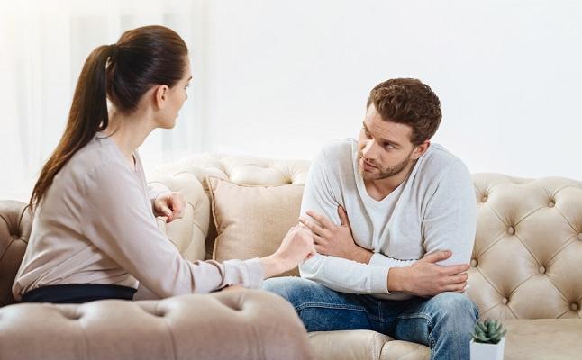 嫉妬深い彼氏を安心させる方法3つ!SNSの使い方、一人暮らしの部屋…