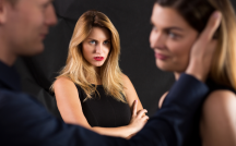 パートナーの浮気が発覚…男女の嫉妬の違いとは?嫉妬の心理学をお届け