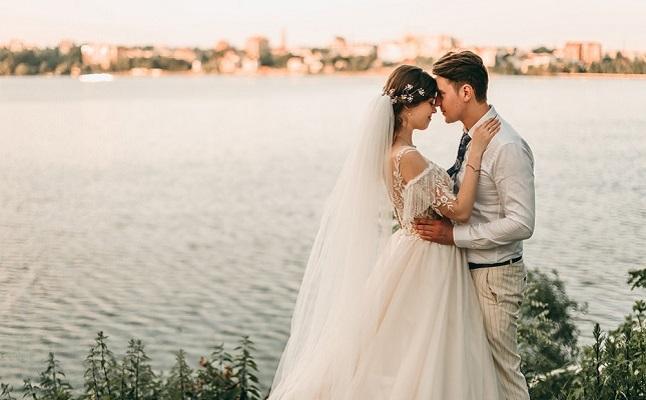 結婚 山本 美 月